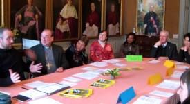 Huit adultes, baptisés à Pâques, à l'évêché de Namur