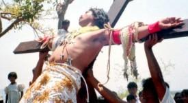 Philippines: les évêques désapprouvent crucifixions et flagellations.