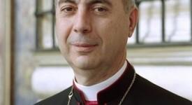 Visite de Mgr Mamberti en Serbie
