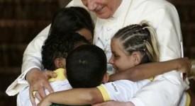 Benoît XVI devant les nouveaux évangélisateurs