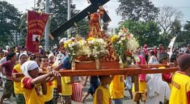Succès de foule pour la procession du Nazaréen