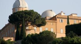 Vatican : Premier Angélus du pape François à Castel Gandolfo