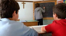 Le retard des cours de religion à Bruxelles irrite l'Eglise
