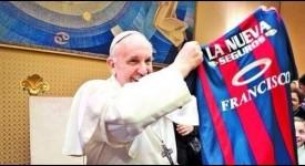 Le pape reste un fervent supporter de foot