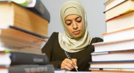 Les professeurs de religion islamique peuvent porter le voile