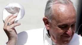 Rome: Angélus du pape François à la veille de son départ pour le Brésil