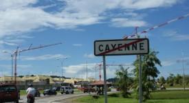 Guyane: 700 jeunes Français bloqués suite à une panne d'avion