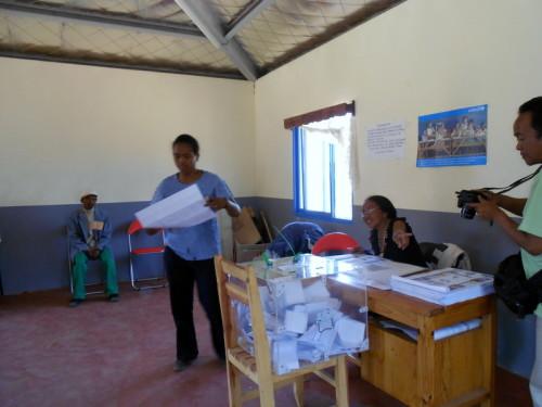 (c)Lakroa - Elections 2013 - Divers 095-001