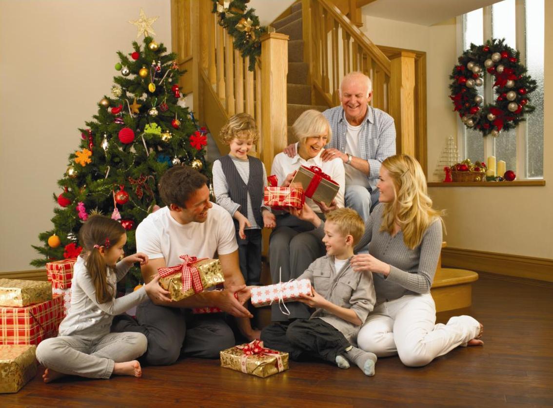 noel en famille Les Belges préfèrent passer Noël en famille et à la maison   Le  noel en famille