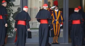 Un Conseil des cardinaux dominé par les questions économiques