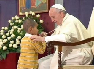 Pape-François-enfant-autiste