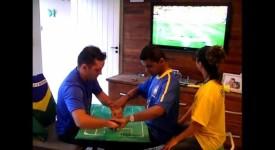 Sans voir ni entendre un supporter brésilien vibre pour son équipe
