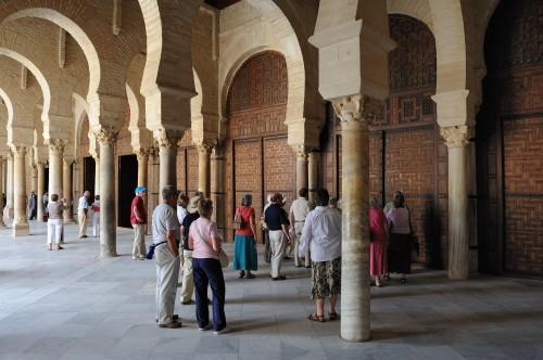 Portique_précédant_la_salle_de_prière,_Grande_Mosquée_de_Kairouan
