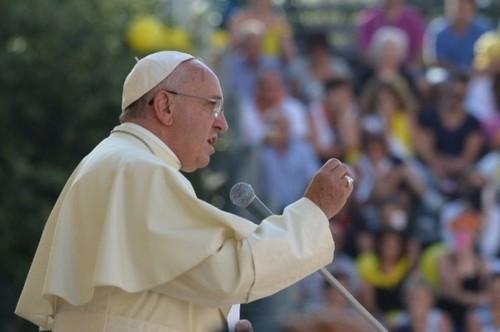 Travailler-le-dimanche-est-ce-une-vraie-liberte-s-interroge-le-pape-Francois_article_popin