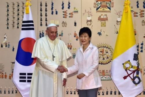 Corée et pape