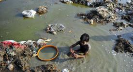 Inde: les conditions sanitaires et la malnutrition affectent 65 millions d'enfants