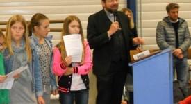 Mgr Delville, évêque de Liège, répond aux questions des jeunes.