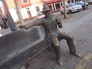 Statue Simenon