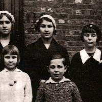 Albert, Fernande, Gilberte Voisin, Gilberte et Andrée Degeimbre