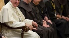 Le Pape appelle les franciscains à «se sentir tout petits devant Dieu»