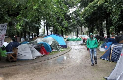 Refugies_Bruxelles_campement_parc