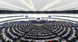 Plaidant pour une Europe solidaire, Juncker impose des quotas obligatoires