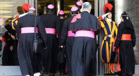 Synode: deux évêques et une femme belge parmi les participants