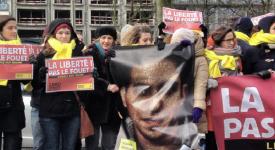 Amnesty manifeste pour la libération du blogueur saoudien