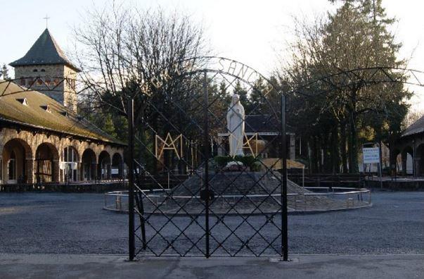 Banneux-porte-sainte