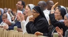 Le pape rencontre 5.000 personnes consacrées