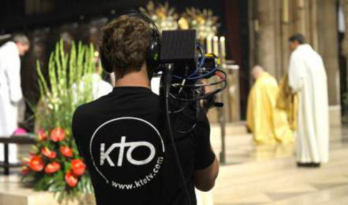 58719_kto-television-catholique-chaine-camera-messe_440x260