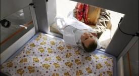 Bruxelles : une première boîte à bébé contestée