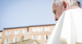 Pape François : «Ce n'est pas au pasteur de dicter au laïc ce qu'il doit faire ou dire»