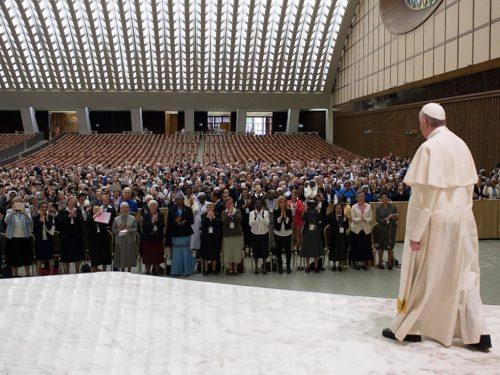 Rencontre du Pape François avec les responsables de l'Union internationale des supérieures générales