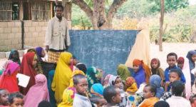 Somali_school_in_Dadaab,_Kenya_refugee_camp