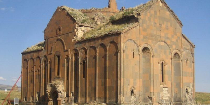 Ani-Cathedral_Ruine-800x450