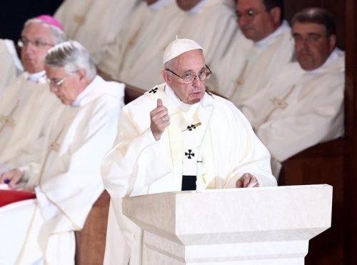Pape JMJ 2016 recadrée
