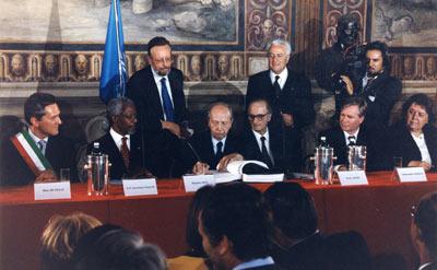 En 1998, 120 Etats se sont engagés dans le Statut de Rome