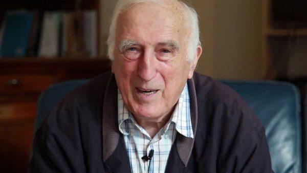 Jean Vanier devient Commandeur de la  Légion d'honneur