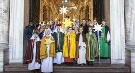 Quatre petits Chanteurs à l'étoile ont célébré nouvel an avec le pape