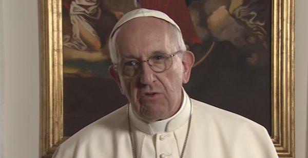 Le pape appelle à prier pour la fin du commerce des armes