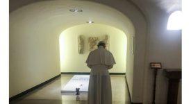 Le pape François a prié sur la tombe du bienheureux Paul VI