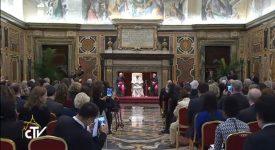 Le pape appelle à protéger les mineurs sur internet