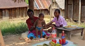 Des vivants sortent de l'enfer à Madagascar.