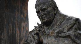 France: Jean-Paul II au cœur d'un conflit