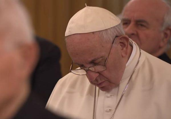 """L'Eglise n'est pas une """"cage"""" pour l'Esprit Saint, affirme le pape François"""