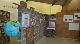 Exposition de travaux d'élèves : les murs qui nous séparent