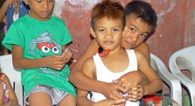 Les enfants vulnérables de Bacolod aux Philippines