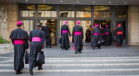 Le pape assouplit l'âge de la retraite pour les évêques