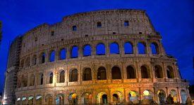 Chemin de croix au Colisée: rencontre avec les jeunes auteurs des méditations